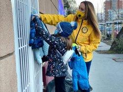 Волонтеры приносят еду и тепло нуждающимся (Венгрия)